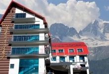 ski and sky hotel-01